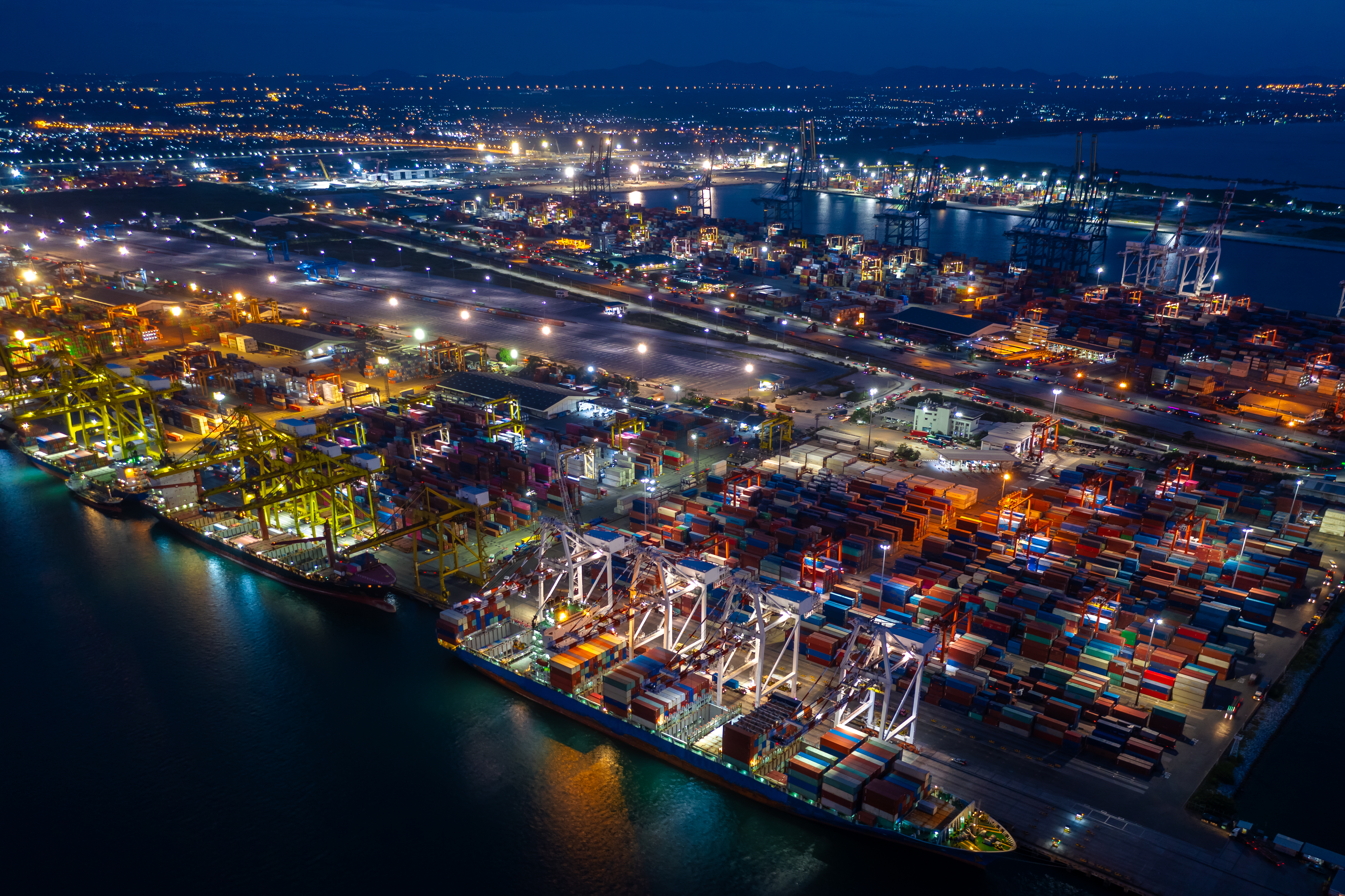 How Real-Time Container Tracking is a Life-Enhancing Technology For Freight Forwarders